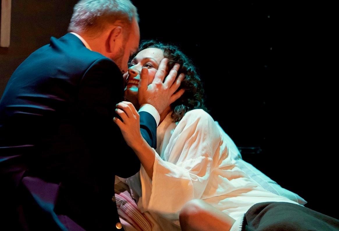 Camilla Illeborg, soprano - La Traviata.